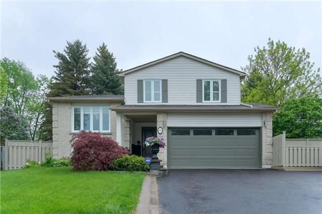 Detached at 112 Batson Dr, Aurora, Ontario. Image 13