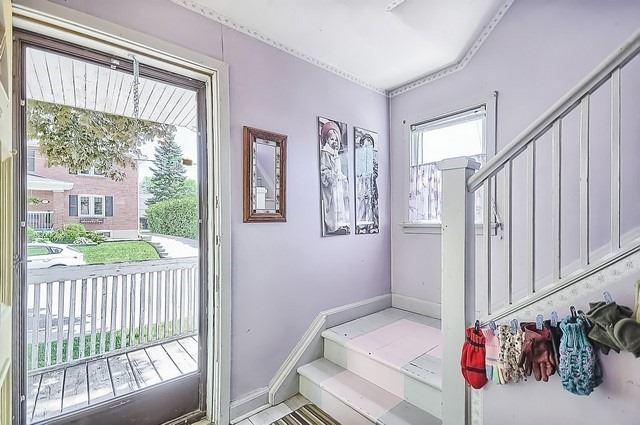 Detached at 30 Baker St, Whitchurch-Stouffville, Ontario. Image 14
