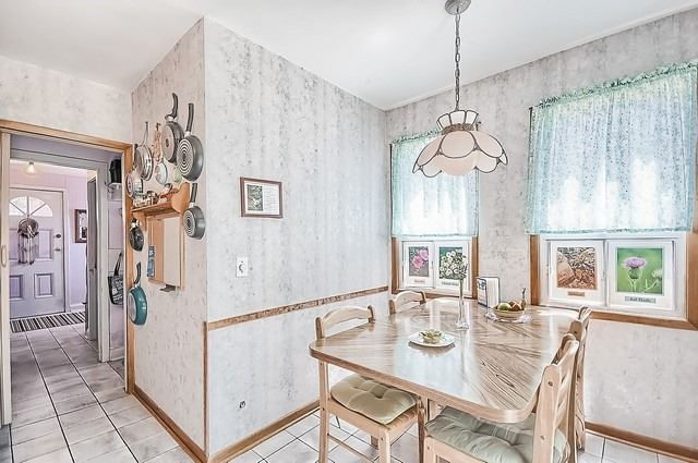 Detached at 30 Baker St, Whitchurch-Stouffville, Ontario. Image 5