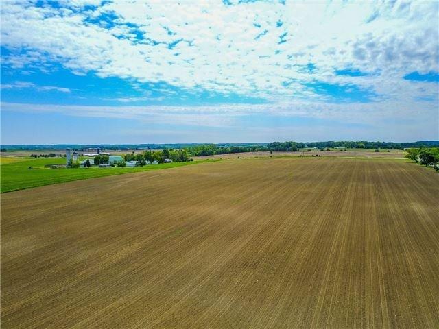 Detached at 4235 Fourth Line, Bradford West Gwillimbury, Ontario. Image 5
