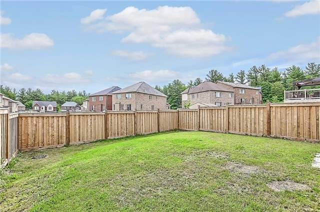 Detached at 151 Art West Ave, Newmarket, Ontario. Image 13