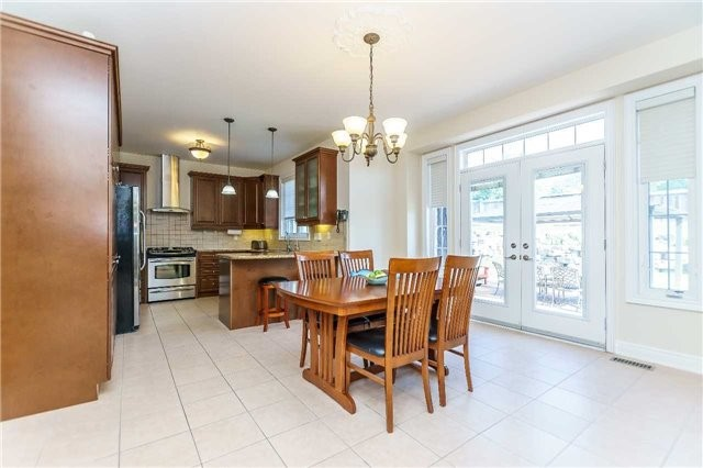 Detached at 102 Goldenview Crt, Vaughan, Ontario. Image 18