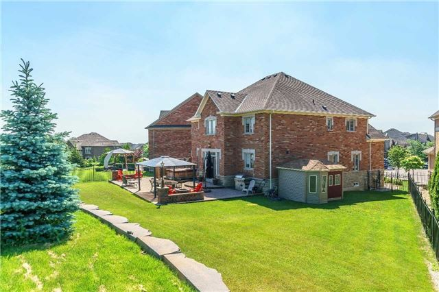 Detached at 102 Goldenview Crt, Vaughan, Ontario. Image 10