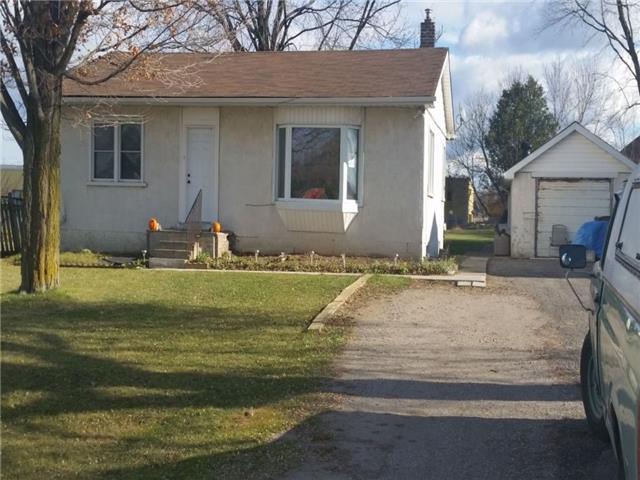 Detached at 7361 Yonge St, Innisfil, Ontario. Image 1