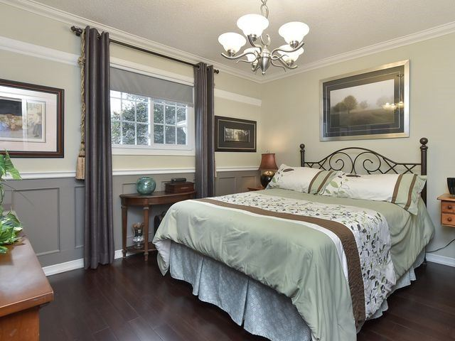 Detached at 30 Hammell Blvd, New Tecumseth, Ontario. Image 3