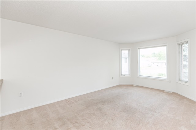 Detached at 1035 Gilmore Ave, Innisfil, Ontario. Image 16