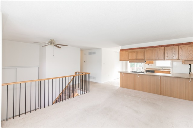 Detached at 1035 Gilmore Ave, Innisfil, Ontario. Image 17
