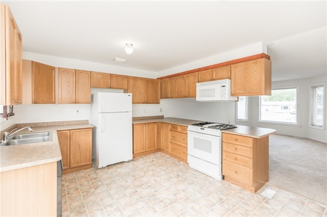 Detached at 1035 Gilmore Ave, Innisfil, Ontario. Image 19