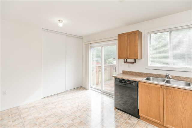 Detached at 1035 Gilmore Ave, Innisfil, Ontario. Image 2