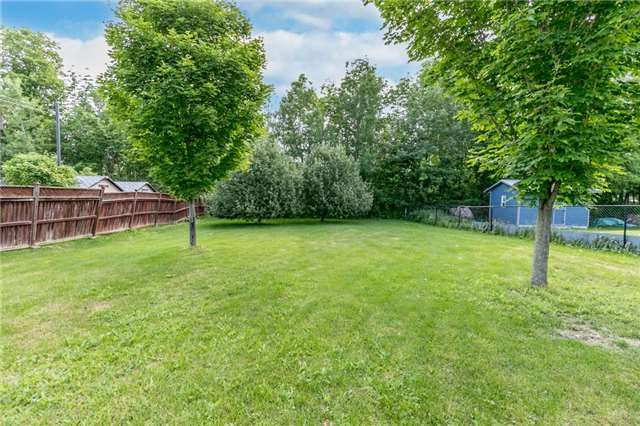 Detached at 1035 Gilmore Ave, Innisfil, Ontario. Image 10