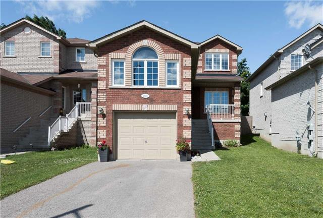 Detached at 1839 Swan St, Innisfil, Ontario. Image 1
