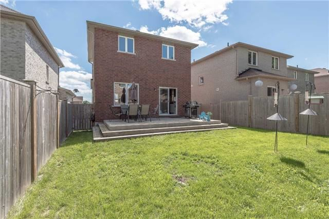 Detached at 1839 Swan St, Innisfil, Ontario. Image 13