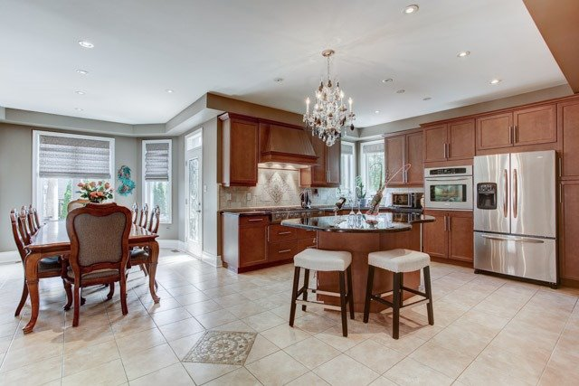Detached at 43 Leor Crt, Vaughan, Ontario. Image 2