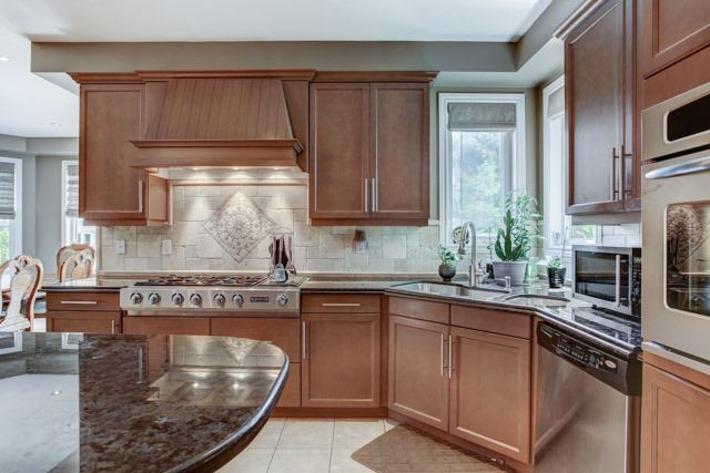 Detached at 43 Leor Crt, Vaughan, Ontario. Image 3