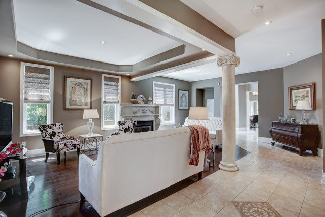 Detached at 43 Leor Crt, Vaughan, Ontario. Image 4