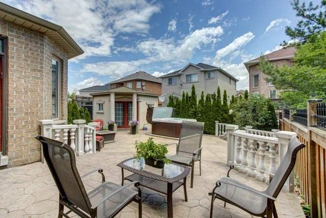 Detached at 43 Leor Crt, Vaughan, Ontario. Image 11