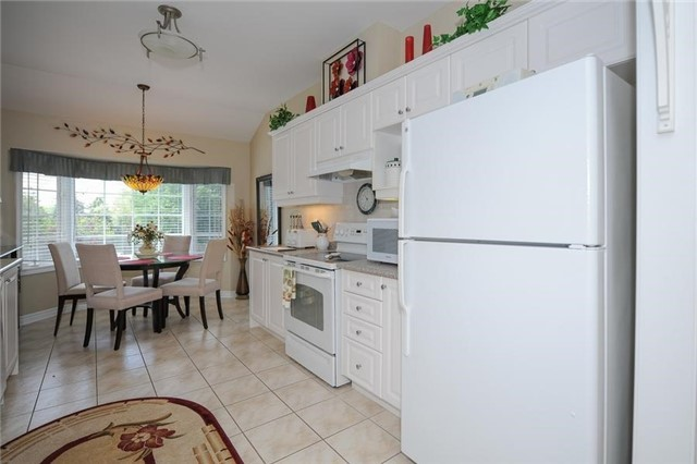 Condo Leasehold at 54 Norm Faulkner Dr, Whitchurch-Stouffville, Ontario. Image 16