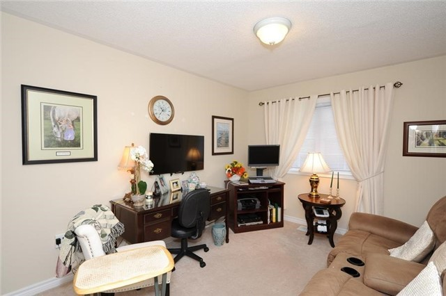 Condo Leasehold at 54 Norm Faulkner Dr, Whitchurch-Stouffville, Ontario. Image 18
