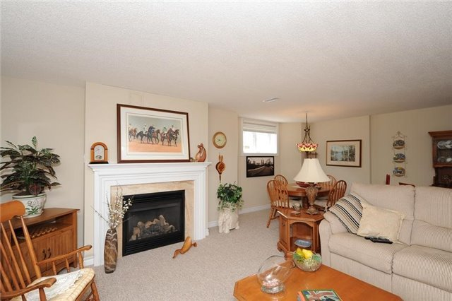 Condo Leasehold at 54 Norm Faulkner Dr, Whitchurch-Stouffville, Ontario. Image 4