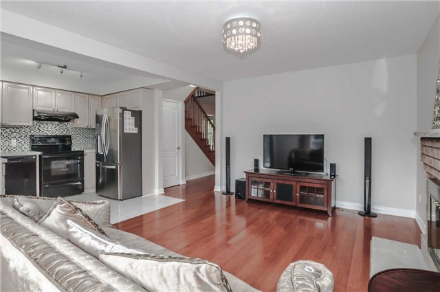 Detached at 44 Charrington Cres, Markham, Ontario. Image 17