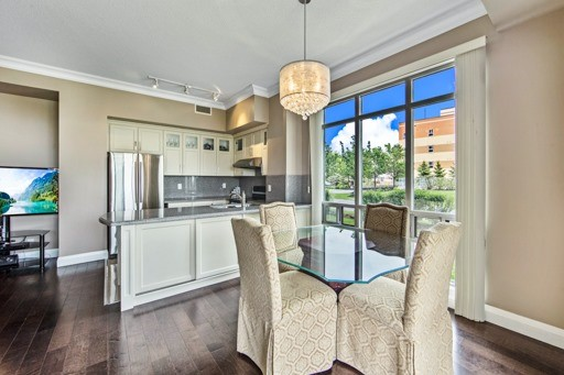 Condo Apartment at 11121 Yonge St, Unit 104, Richmond Hill, Ontario. Image 19