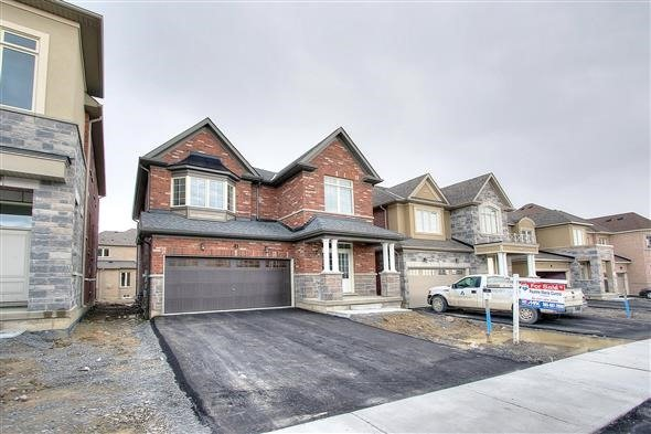 Detached at 41 William Luck Ave, East Gwillimbury, Ontario. Image 1