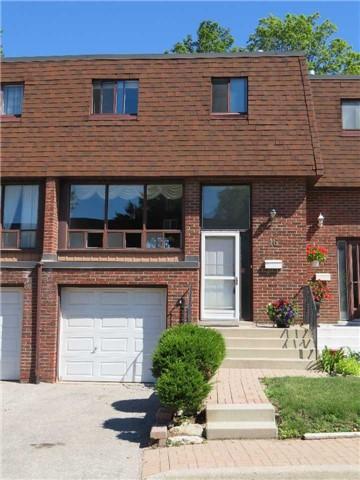 Condo Townhouse at 46 Stately Way, Markham, Ontario. Image 1