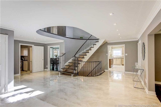 Detached at 52 Chiltern Hill Cres, Richmond Hill, Ontario. Image 12