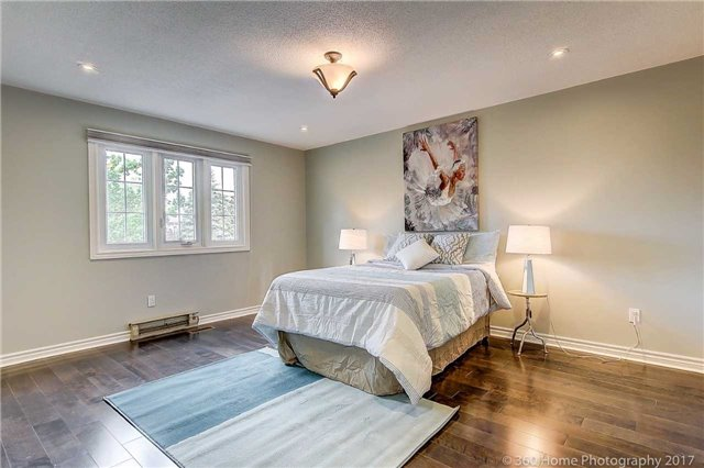 Detached at 52 Chiltern Hill Cres, Richmond Hill, Ontario. Image 7