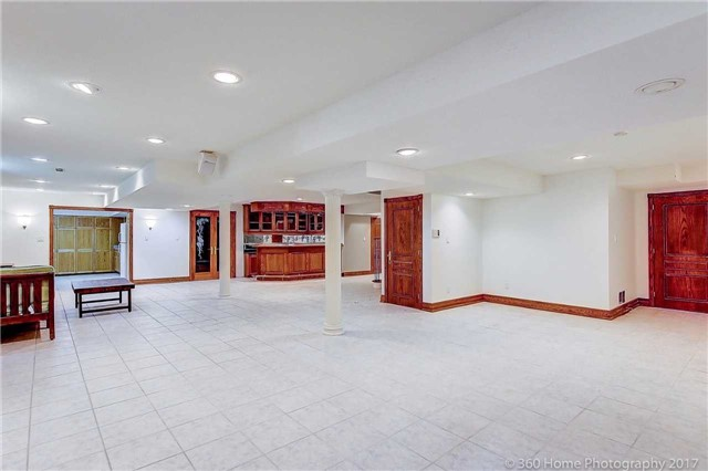 Detached at 52 Chiltern Hill Cres, Richmond Hill, Ontario. Image 10