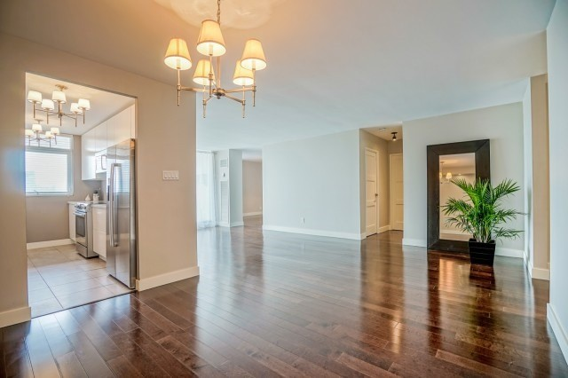 Condo Apartment at 7811 Yonge St, Unit 1109, Markham, Ontario. Image 12