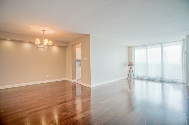 Condo Apartment at 7811 Yonge St, Unit 1109, Markham, Ontario. Image 17