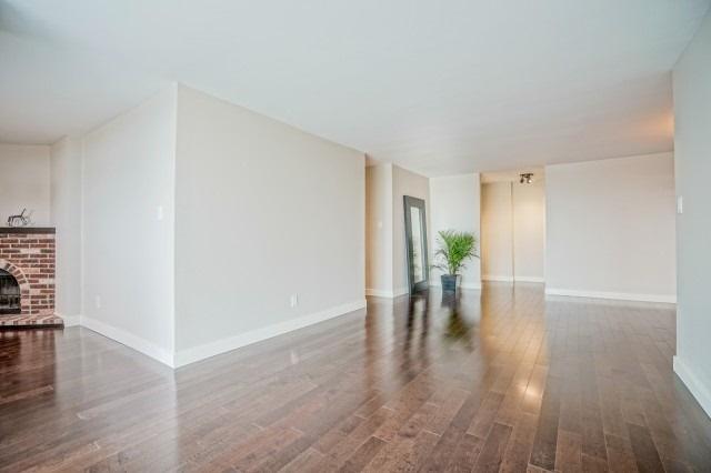 Condo Apartment at 7811 Yonge St, Unit 1109, Markham, Ontario. Image 18
