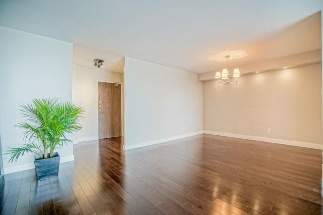 Condo Apartment at 7811 Yonge St, Unit 1109, Markham, Ontario. Image 2