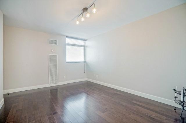 Condo Apartment at 7811 Yonge St, Unit 1109, Markham, Ontario. Image 6