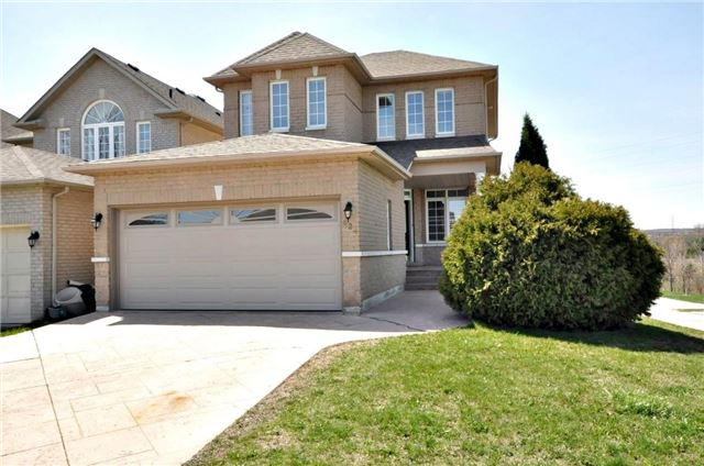 Detached at 624 Mcbean Ave, Newmarket, Ontario. Image 1