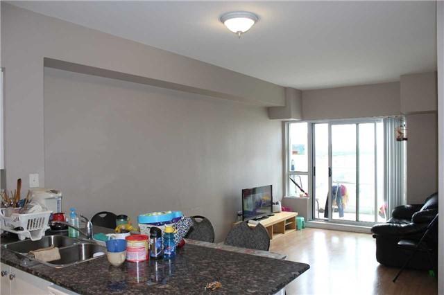 Condo Apartment at 4600 Steeles Ave E, Unit 822, Markham, Ontario. Image 9