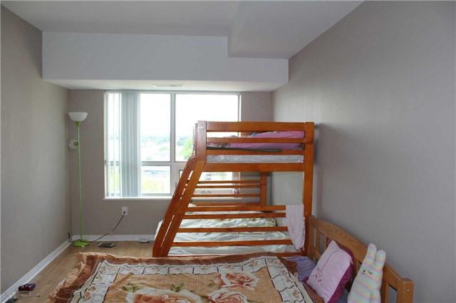 Condo Apartment at 4600 Steeles Ave E, Unit 822, Markham, Ontario. Image 3