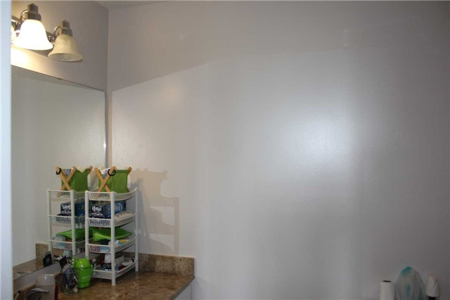 Condo Apartment at 4600 Steeles Ave E, Unit 822, Markham, Ontario. Image 5