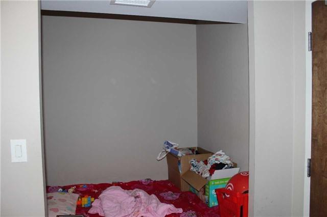 Condo Apartment at 4600 Steeles Ave E, Unit 822, Markham, Ontario. Image 8
