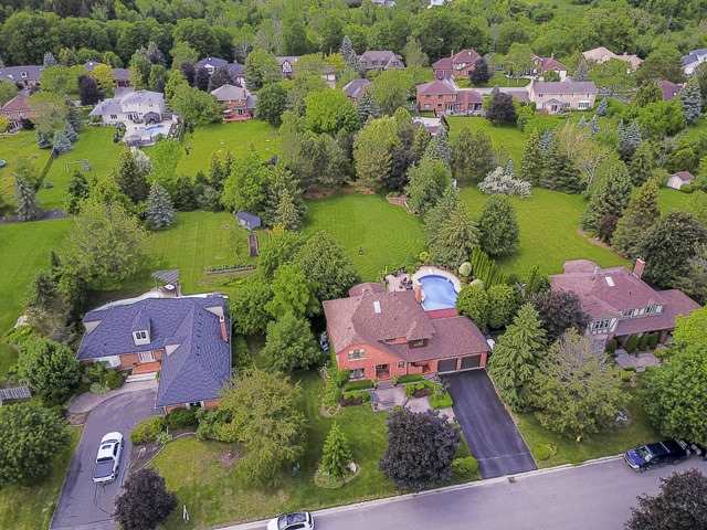 Detached at 70 Humber Valley Cres, King, Ontario. Image 12