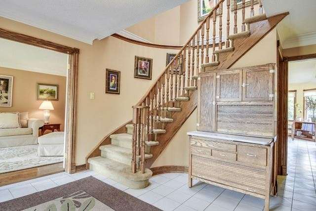 Detached at 70 Humber Valley Cres, King, Ontario. Image 14