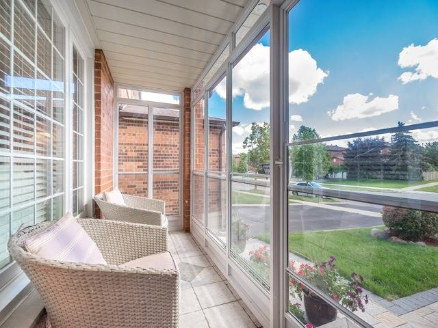 Detached at 146 Barrhill Rd, Vaughan, Ontario. Image 15