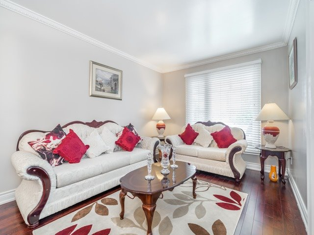 Detached at 146 Barrhill Rd, Vaughan, Ontario. Image 17