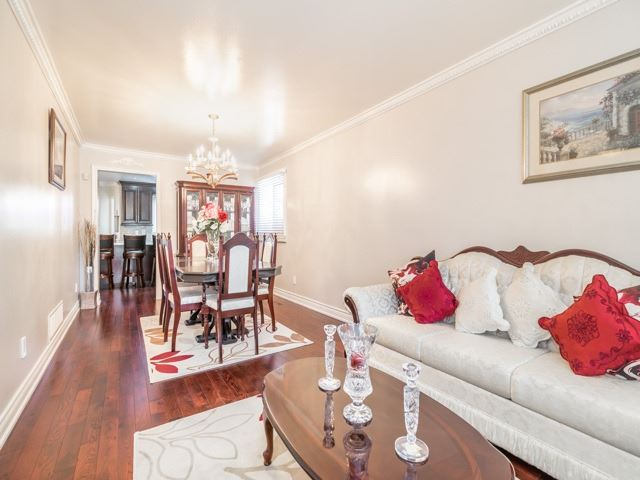 Detached at 146 Barrhill Rd, Vaughan, Ontario. Image 18