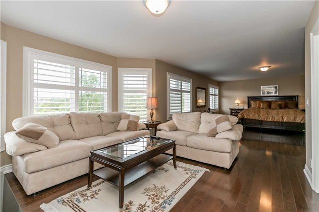 Detached at 159 Ivy Jay Cres, Aurora, Ontario. Image 2