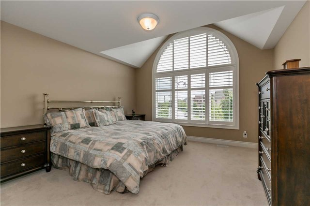 Detached at 159 Ivy Jay Cres, Aurora, Ontario. Image 3