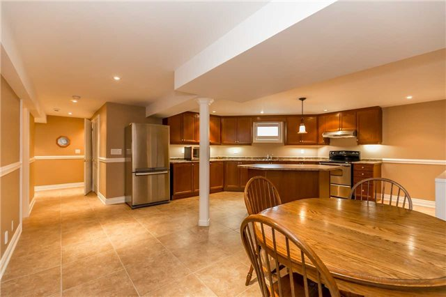 Detached at 159 Ivy Jay Cres, Aurora, Ontario. Image 6