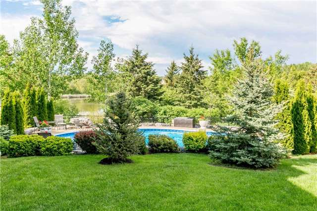 Detached at 159 Ivy Jay Cres, Aurora, Ontario. Image 8