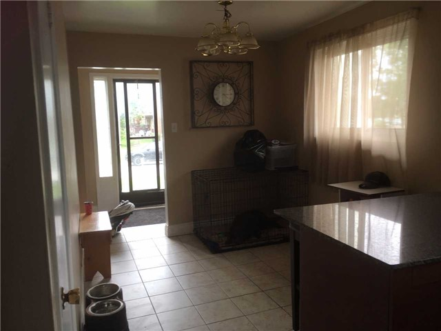 Detached at 118 Winlane Dr, Whitchurch-Stouffville, Ontario. Image 3